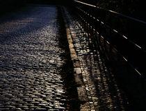 Licht und Schatten in der Großstadt... by Rainer Golembiewski