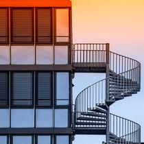 Haus-mit-treppe-im-morgenlicht-quadr