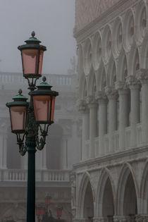 Nebelstimmung am Markusplatz von Andreas Müller