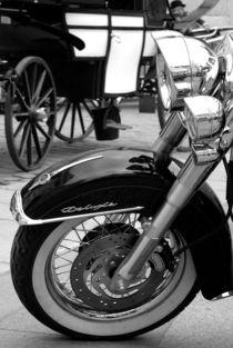 Harley vs. Fiaker von Wolfgang Janisch