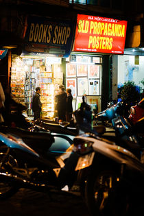 Hanoi Nightlife. von Tom Hanslien