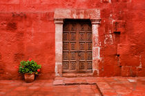 Red I - Monasterio de Santa Catalina de Siena. by Tom Hanslien