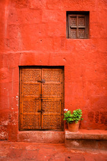 Red II - Monasterio de Santa Catalina de Siena. by Tom Hanslien