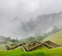 Misty Machu Picchu I von Tom Hanslien