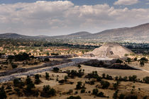 Teotihuacan. by Tom Hanslien