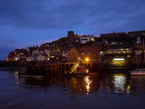 Whitby Lower Harbour and the RNLI Lifeboat Station at Night von Louise Heusinkveld