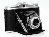 AGFA Isollete Camera von John Rizzuto
