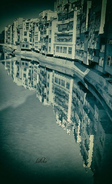 Girona-reflectionsssss-monochromeanalog