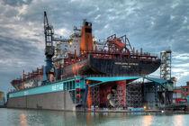 Schiff im Dock von Joachim Hasche