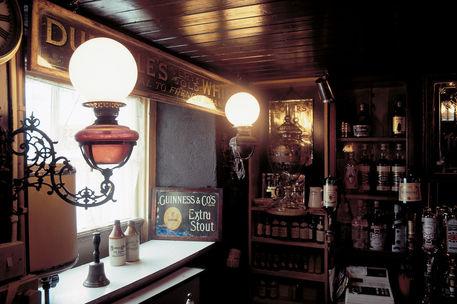 Irish-pubs-aufschnaiter-conways-innen