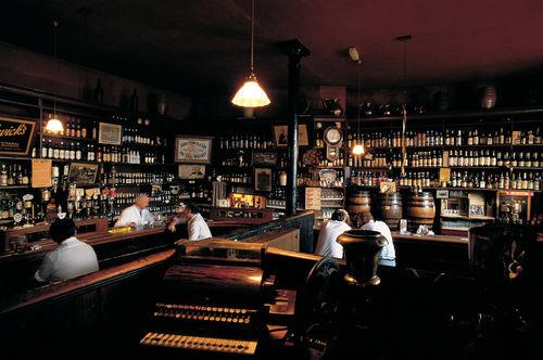Morrisseys-abbeyleix-irish-pubs-aufschnaiter