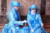 Paar in Blau by Joachim Hasche
