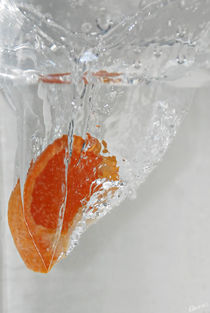 A quarter of a tangerine by Nuno Tendais