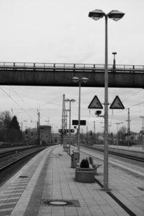 Bahnhof Rosenheim, schwarz weiss Foto by Kathleen Follert
