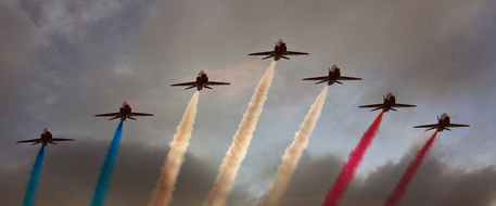 Red-arrows-7-ship