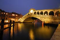 Realto bridge at dusk, Venice, Italy by aelita