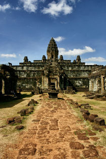 Bakong temple complex by Mario K.