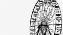 Minimalist Ferris Wheel von Jon Woodhams