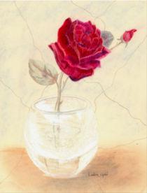 Red Rose in Vase von Linda Ginn
