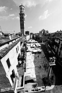 Piazza Erbe - Verona von Marco Leonardo Pieropan