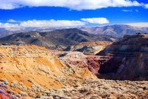 Gebirge in der Nevada Wueste by Gunter Nezhoda