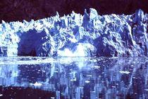 Alaska: Kalbender Gletscher in der Glacier Bay by Monika Fuchs