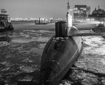 U-Boot im Hamburger Hafen bei Eis von Dennis Stracke