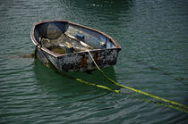 Old Dinghy, Penzance Harbour von Rod Johnson