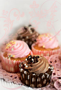 Cupcakes by Helene Souza