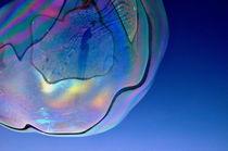 Große Seifenblasen schwebend - Giant Bubbles gliding 42 by Eddie Scott