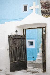 Santorin: Offene Tür zur Kirche von Björn Kindler