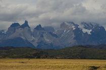 Paine Mountain Range IV von Víctor Suárez