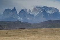 Paine Mountain Range II von Víctor Suárez