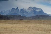 Paine Mountain Range I von Víctor Suárez