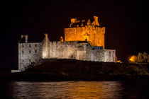 Eilean Donan Castle at Night von Derek Beattie