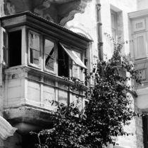 Balkon in den Straßen Vallettas von Cordula Maria Grahl