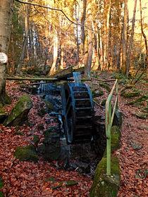 Mühlenrad im Wald | Architekturfotografie by Patrick Jobst