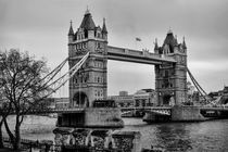 Spanning the Thames BW by Heather Applegate