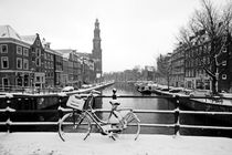 Old dutch winter scenery in Amsterdam the Netherlands  von nilaya