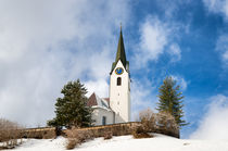 Kirche in Hirschegg Kleinwalsertal im Winter von Matthias Hauser
