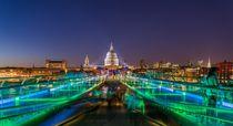St. Pauls and Millennium Bridge, London von davis
