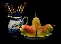 Pears, Paintbrushes, and Pottery von Jon Woodhams