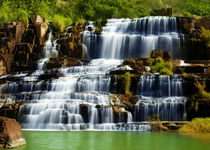 Tropical rainforest landscape with Pongour waterfall in Vietnam von perfectlazybones