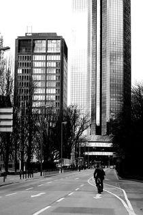 Allein auf der Straße von Bastian  Kienitz