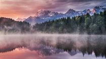 Sonnenaufgang am See von Andreas Wonisch