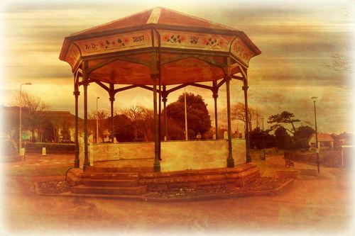 Cleavdon-bandstand-1887-4