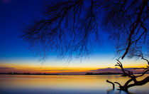 Elbe kurz nach Sonnenuntergang by Dennis Stracke