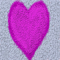 Fuchsia Polka-Dot Heart by Michelle Brenmark