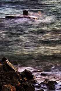 Waves at sunset by Giorgio  Perich