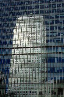Canary wharf Reflection by David Pyatt